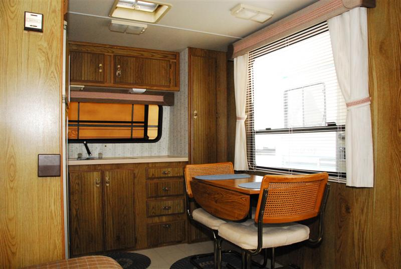 Pre Owned 2004 Thor Dutchmen Sport 31b Dsl Travel Trailer