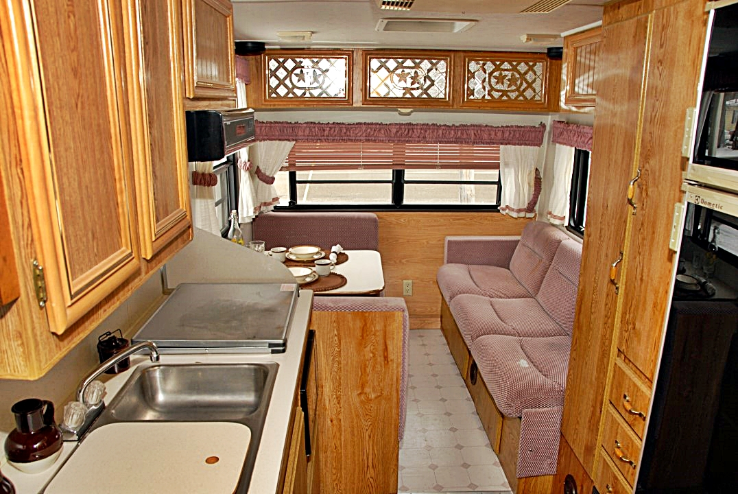 Pre Owned 1992 Shadow Cruiser 24f Fifth Wheel
