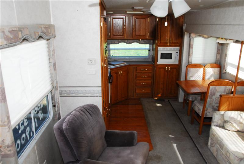 Pre owned fifth wheels for Interior designs 2000