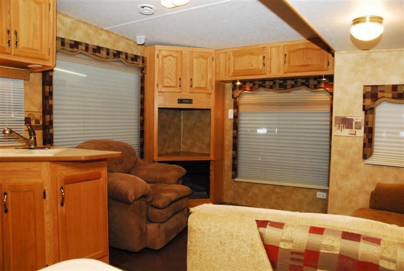 Pre Owned 2006 Keystone Laredo 29rl Fifth Wheel
