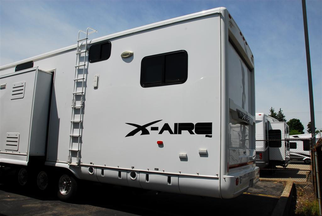 Pre Owned 2010 Newmar X Aire 39ksth Toy Hauler Fifth Wheel